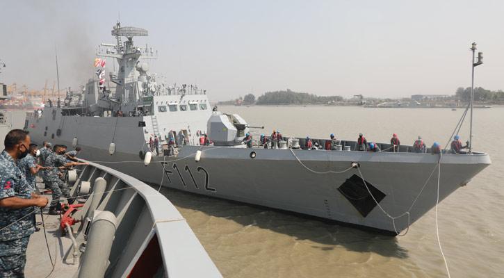 নৌবাহিনীর যুদ্ধজাহাজ 'প্রত্যয়' দেশে ফিরেছে