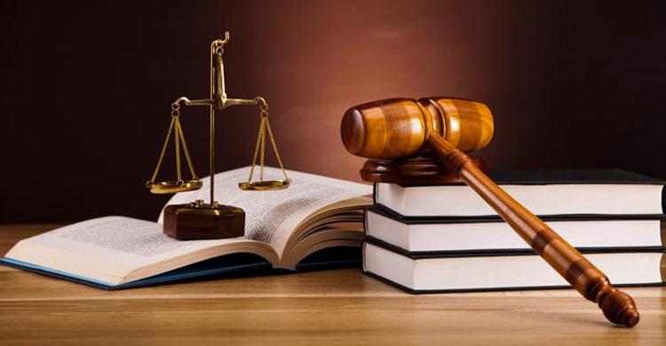 আইন এবং ষড়যন্ত্রের পিঠাপিঠি অপবাস্তবতায় বাংলাদেশ