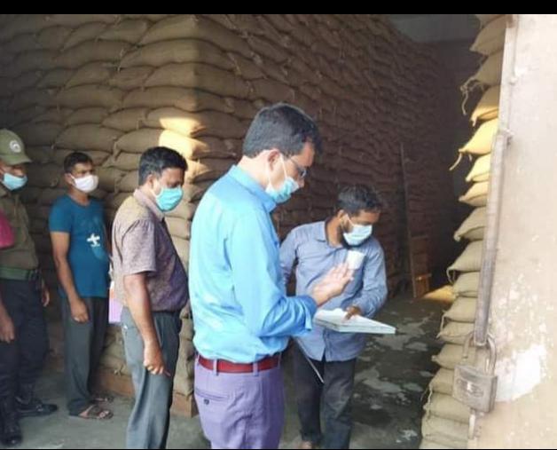 দিনাজপুর খানসামা খাদ্য গুদামে ৬৫১ বস্তা চাল আত্মসাতের চেষ্টা : ওসি এলএসডি প্রত্যাহার